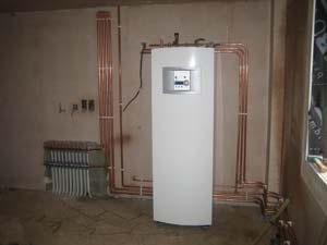 A ground souce heat pump, manifold and pipework